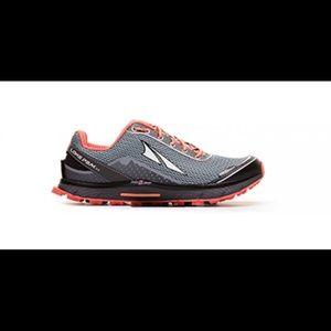 altra lone peak 2.5 running shoe